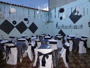 toalhas mesa plastico 13 300x225 - Toalhas Mesa Plástica
