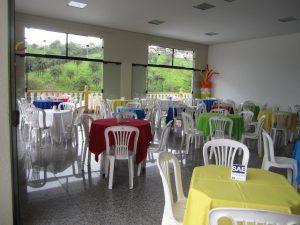 toalhas mesa plastico 193 300x225 - Toalhas Mesa Plástica