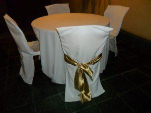 toalhas mesa rendonda 195 300x225 - Toalhas Mesa Redonda