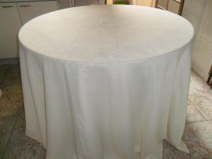 toalhas mesa rendonda 200 300x225 - Toalhas Mesa Redonda